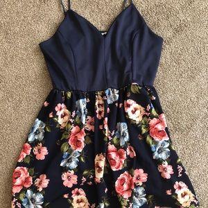 Dresses & Skirts - Women's dress XL